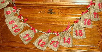 adventskalender mit rotem kordel aus jutes ckchen ca 12 x 8 cm zum basteln. Black Bedroom Furniture Sets. Home Design Ideas