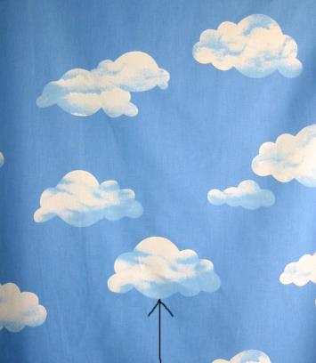 baumwollstoff wolkendruck 140 cm breit 320 156 140. Black Bedroom Furniture Sets. Home Design Ideas